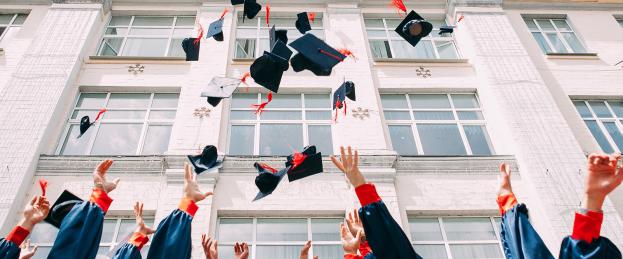 graduation-caps-web-banner-no-words